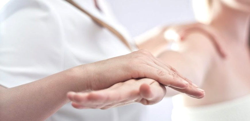 La visita ortopedica presso Crodent è utile per diagnosticare e curare le patologie del sistema motorio e scheletrico.