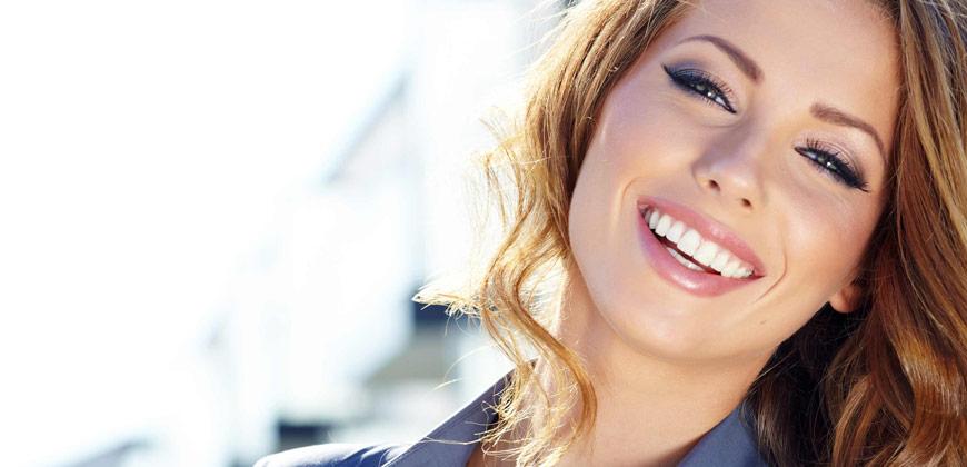 In odontoiatria, l'estetica è fondamentale. La bellezza e la naturalezza del lavoro eseguito dal dentista fanno si che il paziente ne tragga grandi benefici sia in termini di salute che di autostima.